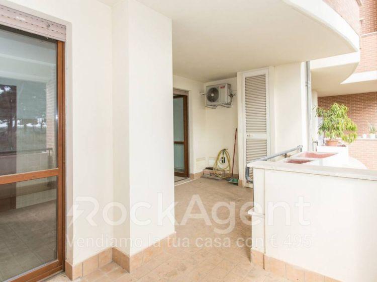 Appartamento di 85 m² con 3 locali e box auto in vendita a Roma
