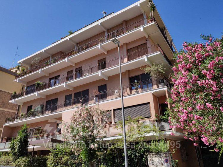 Appartamento di 58 m con 2 locali in affitto a roma for Locali roma affitto