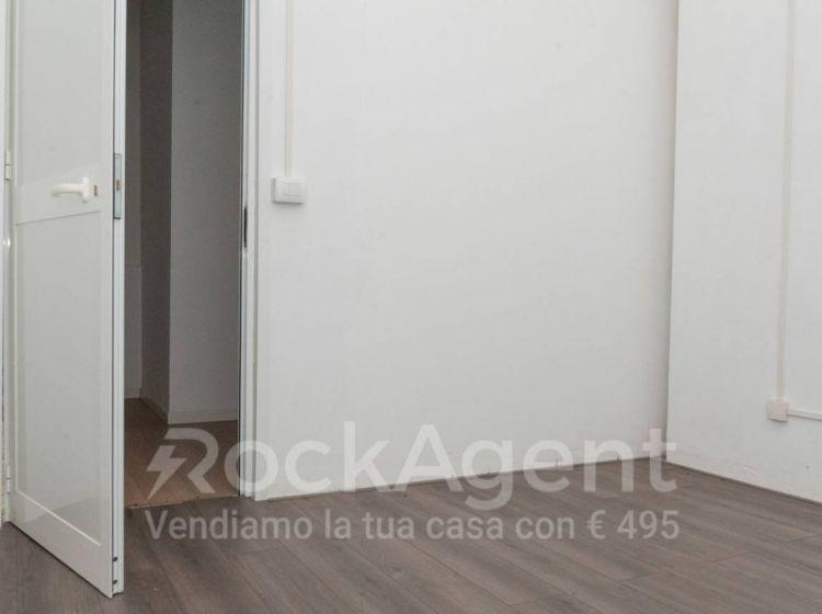 Negozio in vendita, via Ettore Bertolè viale  25, Casal Bertone, Roma