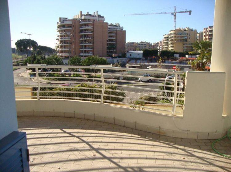 Appartamento di 70 m² con 3 locali e box auto in vendita a Roma