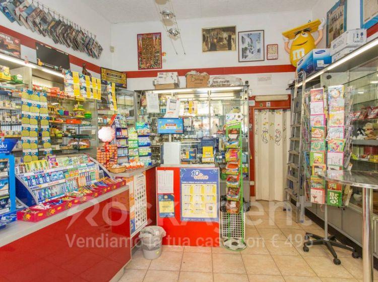 Attività / Licenza di 40 m² con 1 locale in vendita a Roma