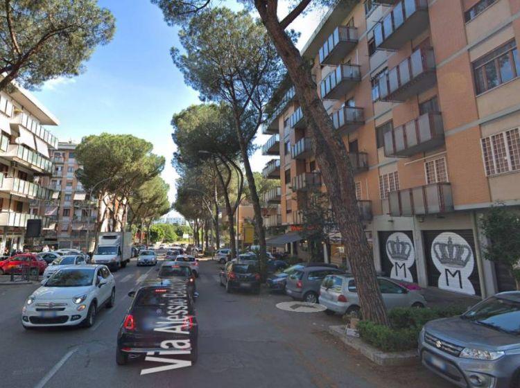 Immobile di 600 m² in vendita a Roma