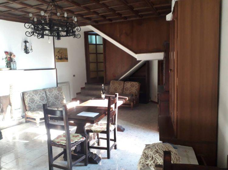 Palazzo / Stabile di 342 m² in vendita a Oricola