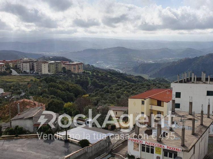 Attico / Mansarda di 51 m² con 2 locali in vendita a Catanzaro