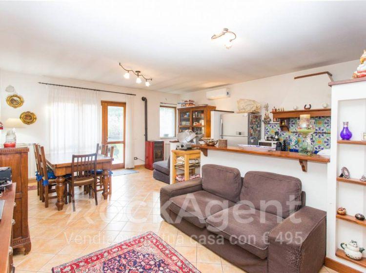 Villa di 157 m² con 5 locali in vendita a Rignano Flaminio