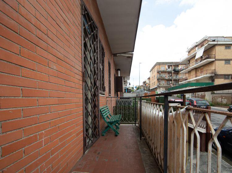 Bilocale in vendita, via Amaretta, Finocchio, Roma