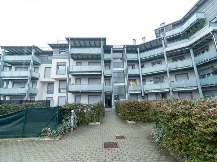Appartamento di 55 m² con 2 locali e box auto in vendita a Castellanza