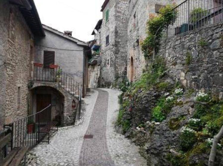 Trilocale in vendita, via roma 83, Castel Di Tora