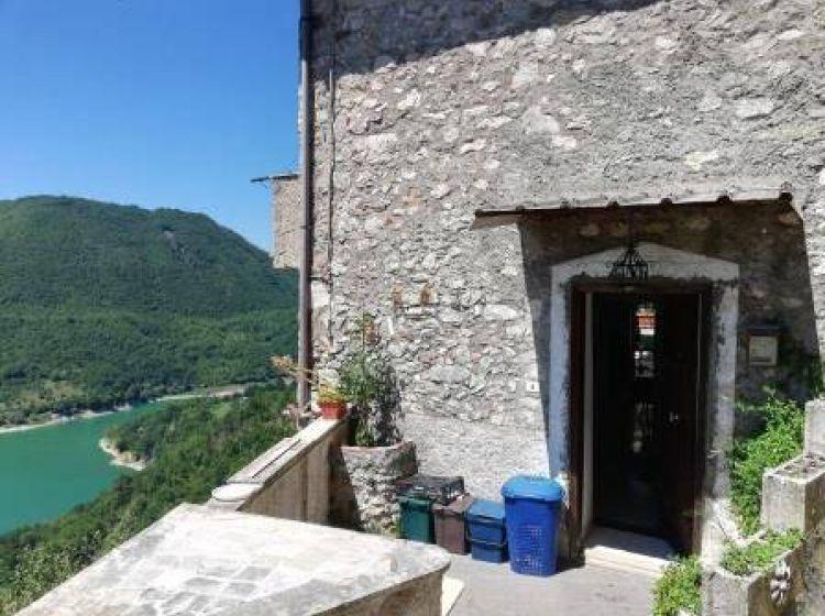 Terratetto unifamiliare in vendita, via Mazzini, Ascrea