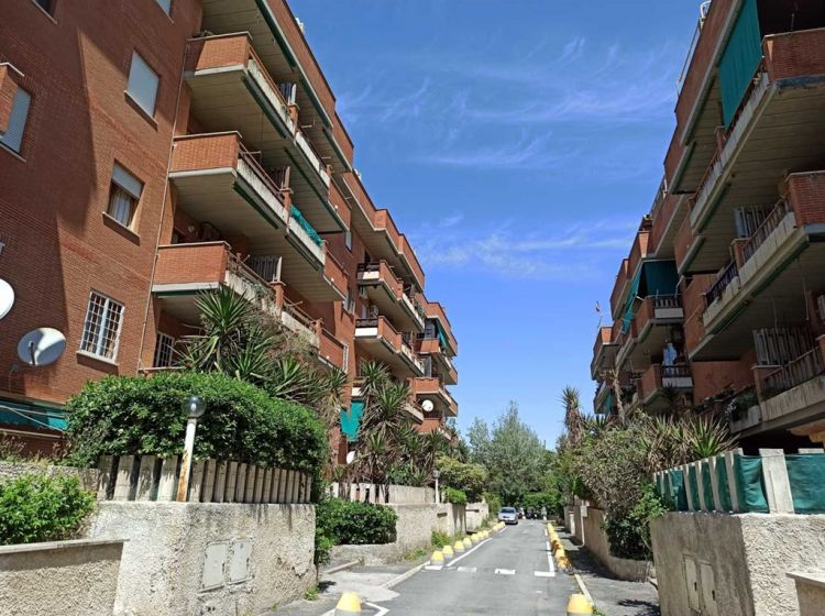 Trilocale in vendita, via Ugolino Vivaldi  30, Roma