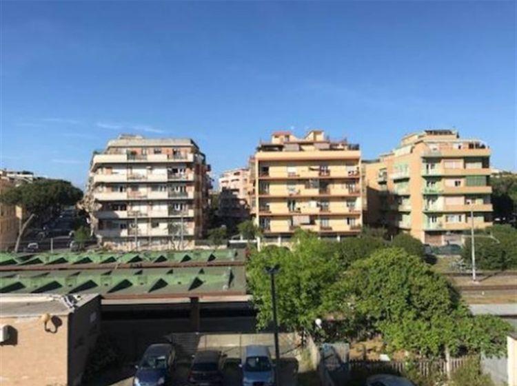 Trilocale in vendita, via dei Remi  4, Ostia Levante, Roma