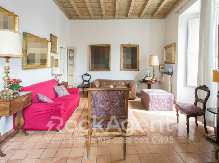 Appartamento di 140 m² con 4 locali in vendita a Roma