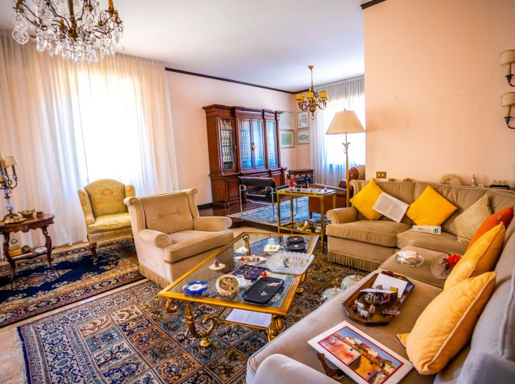 Appartamento in vendita, via Cansiglio  32, Vicenza