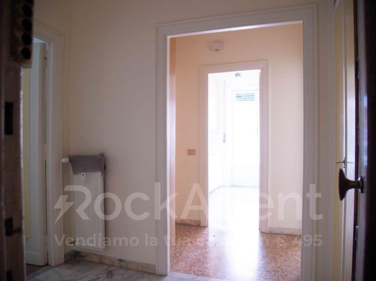 Bilocale in vendita, via Elio Donato, Roma