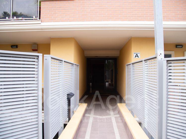 Trilocale in vendita, via Acciaroli  40, Ponte di Nona, Roma