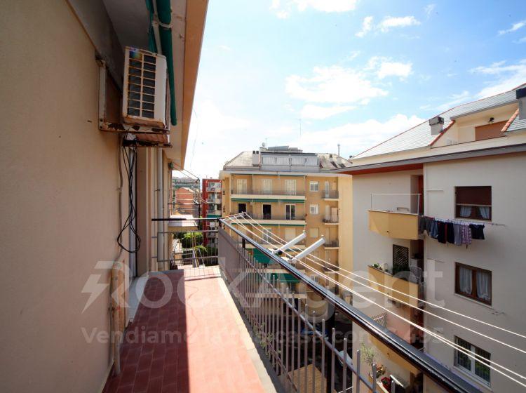 Bilocale in vendita, via Antica Romana di Quinto, Genova
