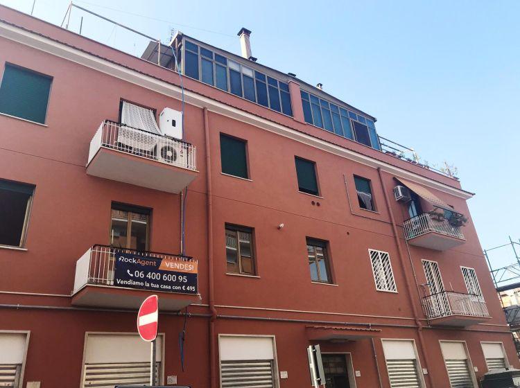 Trilocale in vendita, via dell'Alloro  187, Alessandrino, Roma