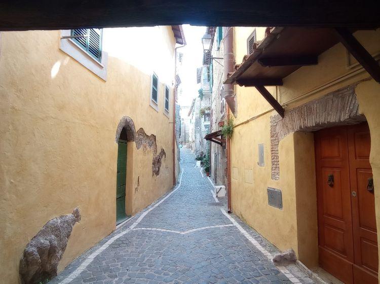 Trilocale in vendita, via Maggiore, San Polo Dei Cavalieri