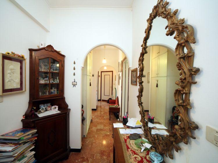 Quadrilocale in vendita, via Tortona  52, Genova