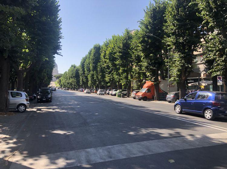 Negozio in vendita, viale Beethoven  54, Roma