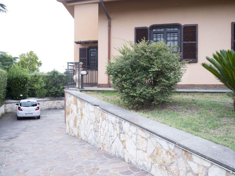 Villa in vendita, via Francesco Petrarca, Tivoli Terme, Tivoli