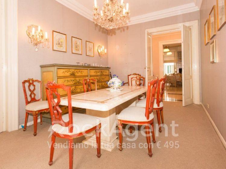 Appartamento di 250 m² in vendita a Roma