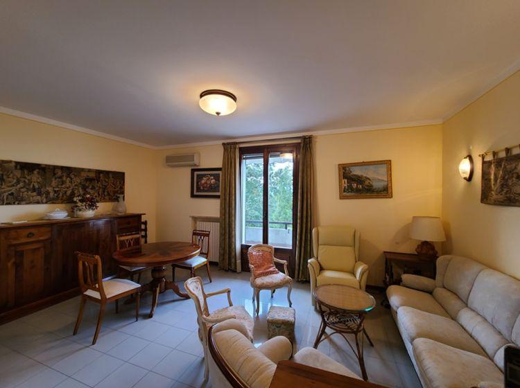 Trilocale in vendita, via Correggio  11, Fornovo Di Taro