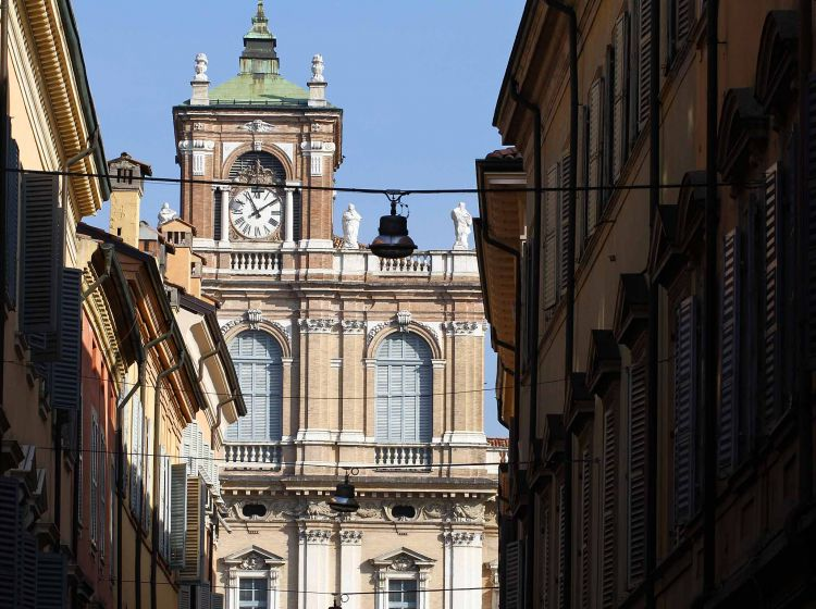 Trilocale in vendita, via Luigi Carlo Farini  20, Centro storico, Modena