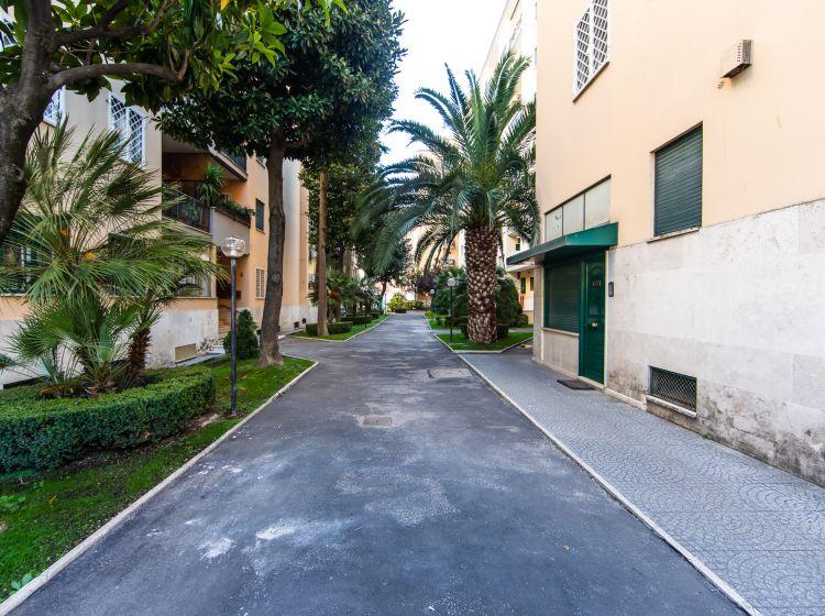 Trilocale in vendita, viale Pico della Mirandola, Roma