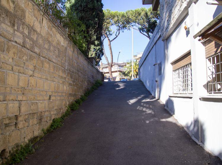 Bilocale in vendita, via Virginia Agnelli  79, Colli Portuensi, Roma