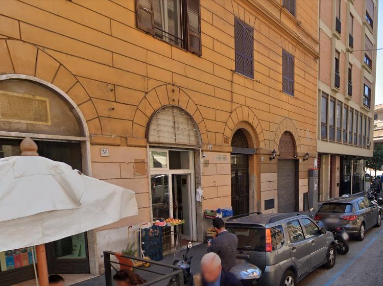 Negozio in vendita, via Messina  38, Roma