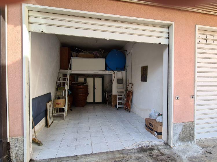 Quadrilocale in vendita, via Vittorio Emanuele  93, Gravina Di Catania