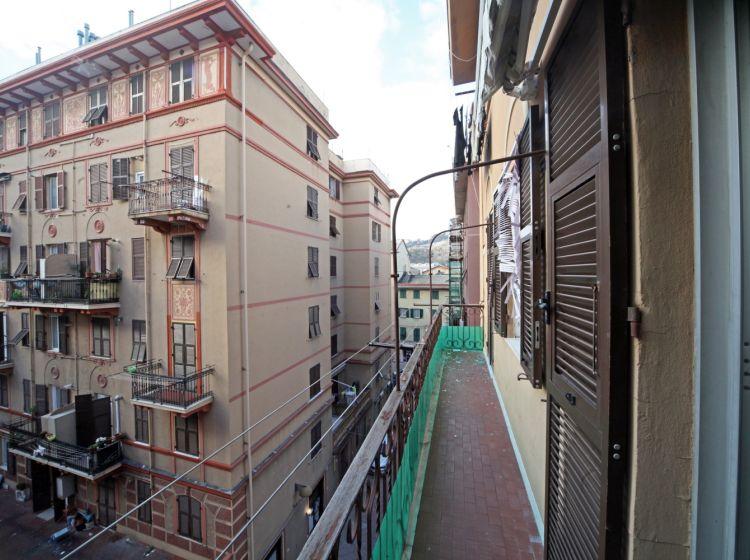 Quadrilocale in vendita, via Antonio Piccone, Rivarolo, Genova