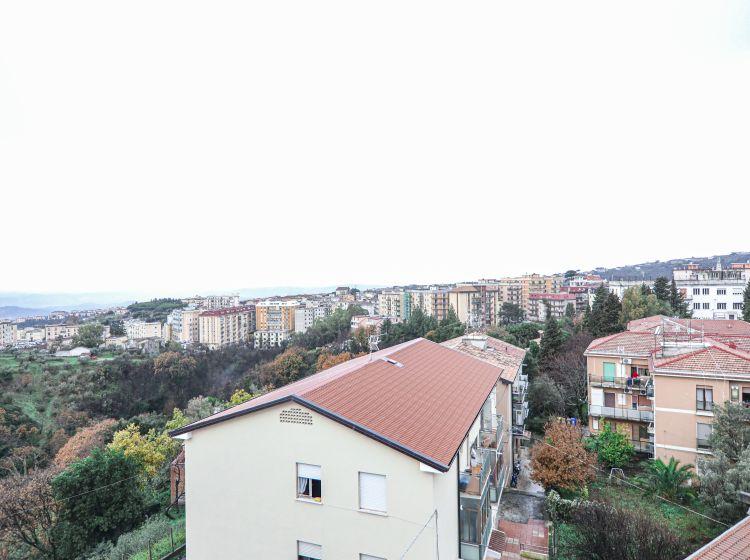 Quadrilocale in vendita, via Menichini, Pontepiccolo, Catanzaro