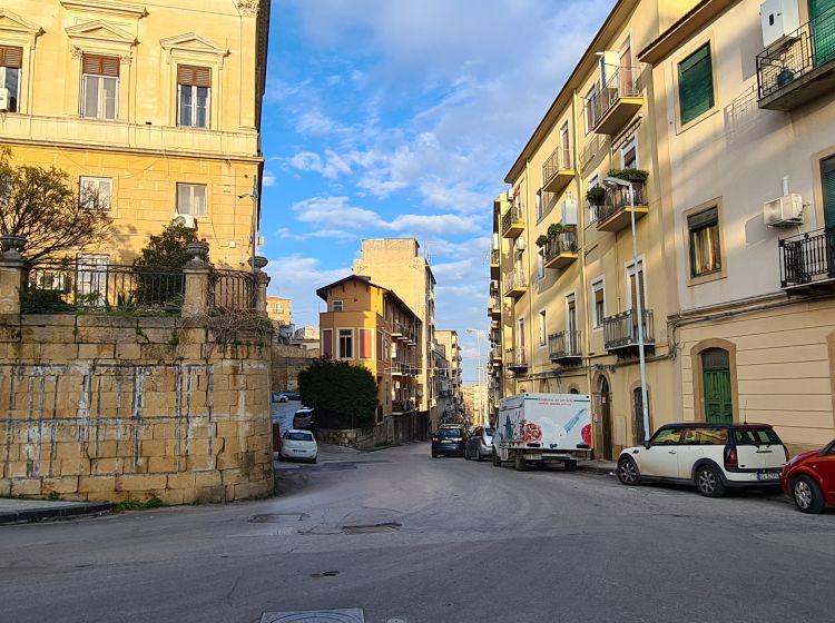 Attico in vendita, via Dante Alighieri  152, Semicentro, Caltanissetta