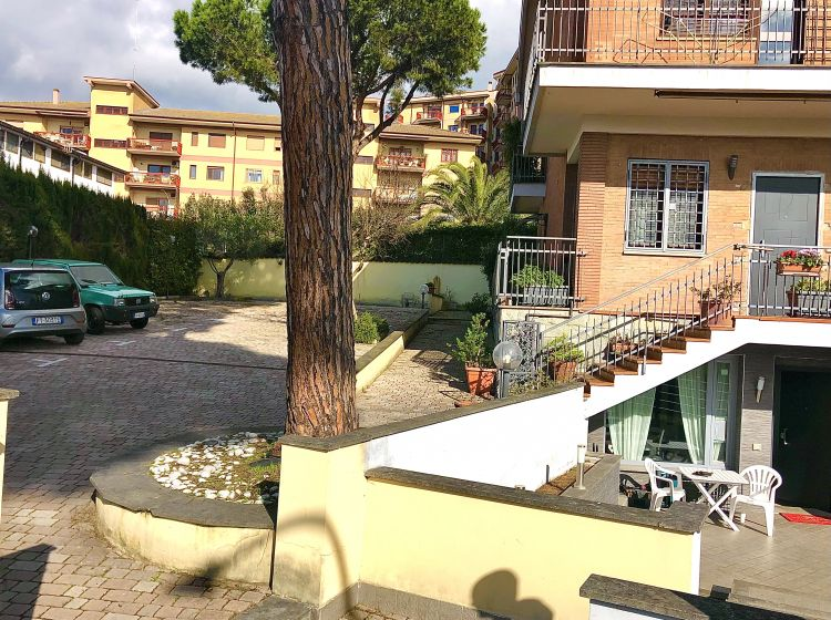 Bilocale in vendita, via Callimaco, Axa, Roma
