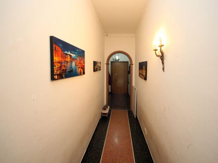 Bilocale in vendita, via San Bartolomeo del Fossato  91, Sampierdarena, Genova