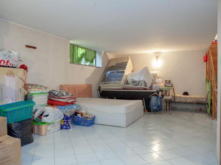 Villa in vendita, via Riviera  61, Volpiano