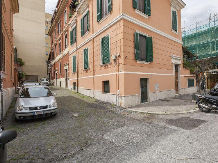 Bilocale in vendita, via Como, Bologna, Roma