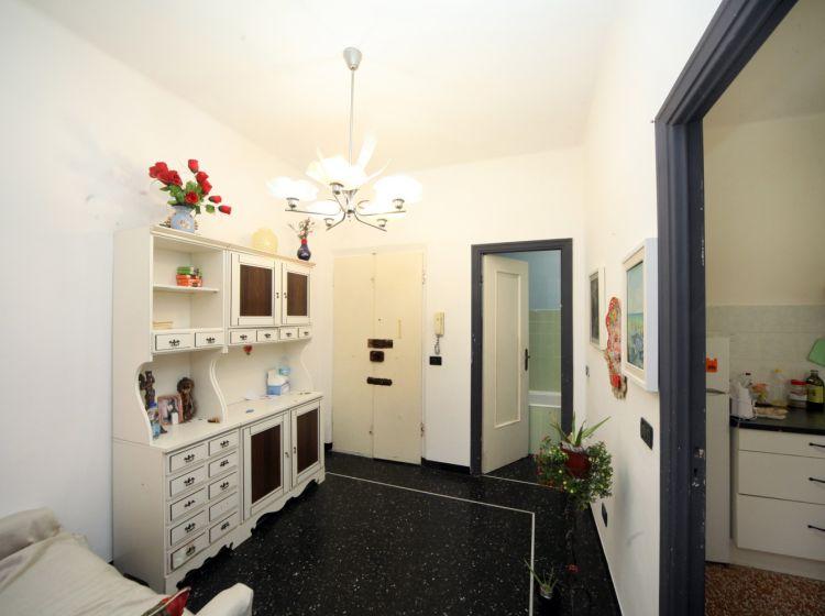 Bilocale in vendita, via Mansueto  35, Rivarolo, Genova