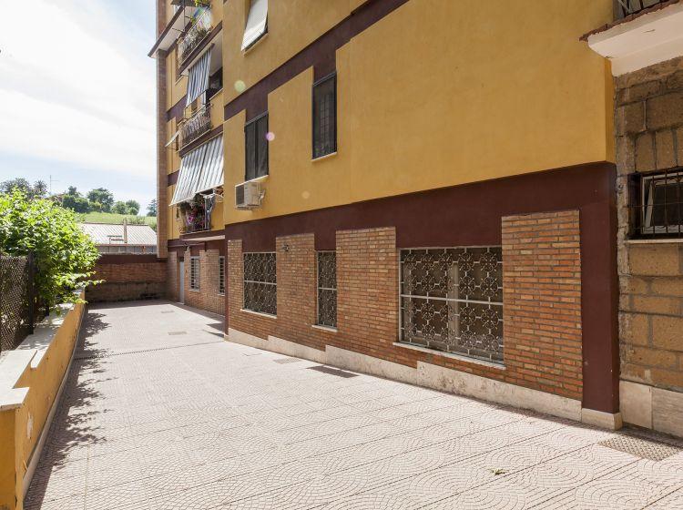 Trilocale in vendita, via del Trullo  120, Trullo, Roma