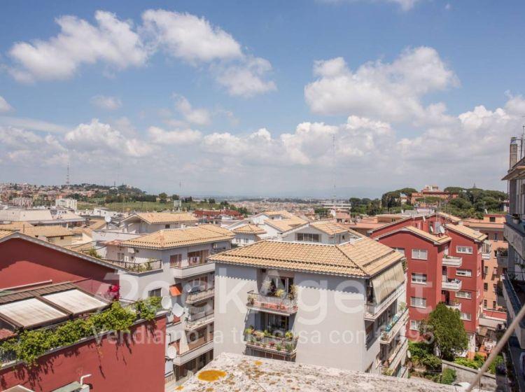 Appartamento di 65 m² con 2 locali in vendita a Roma