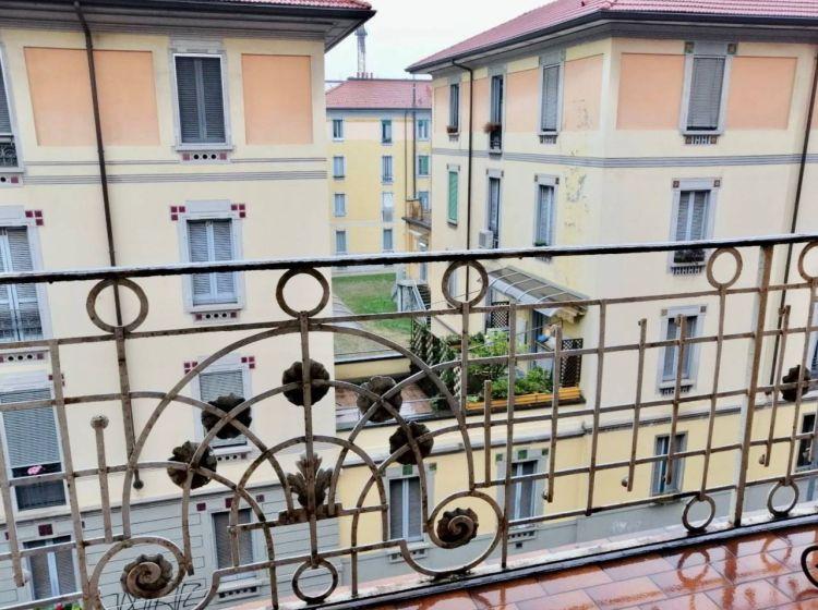 Bilocale in affitto, via Andrea Solari  34, Solari, Milano