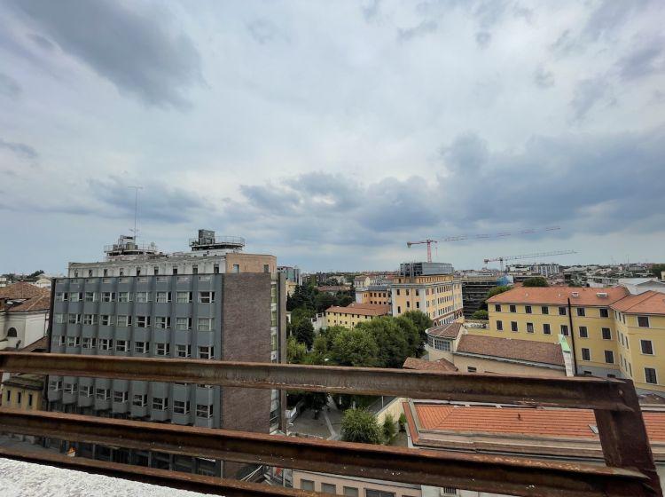 Trilocale in affitto, via Santa Sofia  18, Centro, Milano