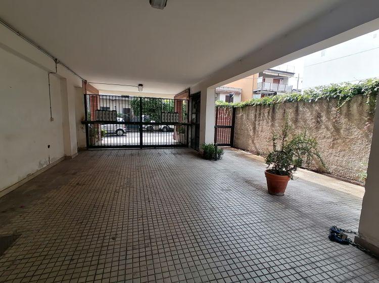 Trilocale in vendita, via Re Martino  16, Aci Castello