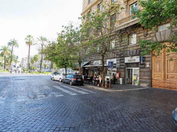 Appartamento di 130 m² con 4 locali in vendita a Roma