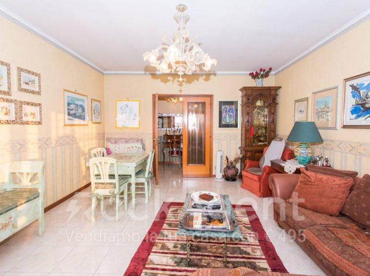 Attico / Mansarda di 200 m² con 5 locali in vendita a Roma