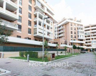 Appartamento di 58 m² con 2 locali e box auto in vendita a Fiumicino