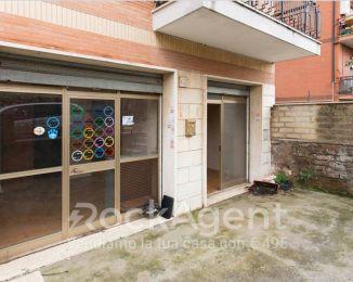 Immobile di 50 m² con 2 locali in vendita a Roma