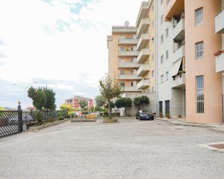 Quadrilocale in vendita, via Monsignor Armando Fares  83, Catanzaro